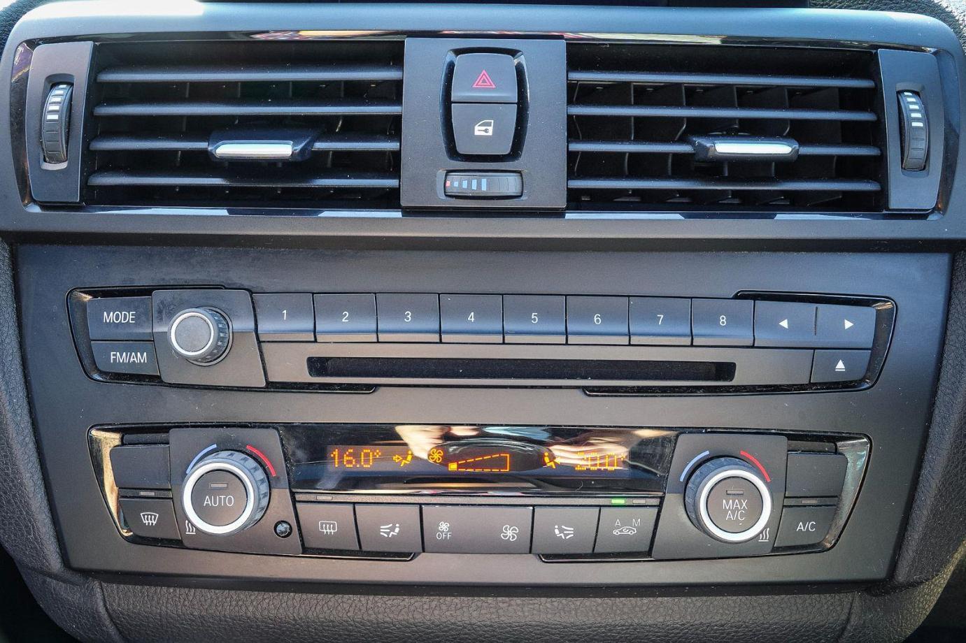 2013 BMW 1 Series F20 MY14 118i Hatchback 5dr Steptronic 8sp 1.6T
