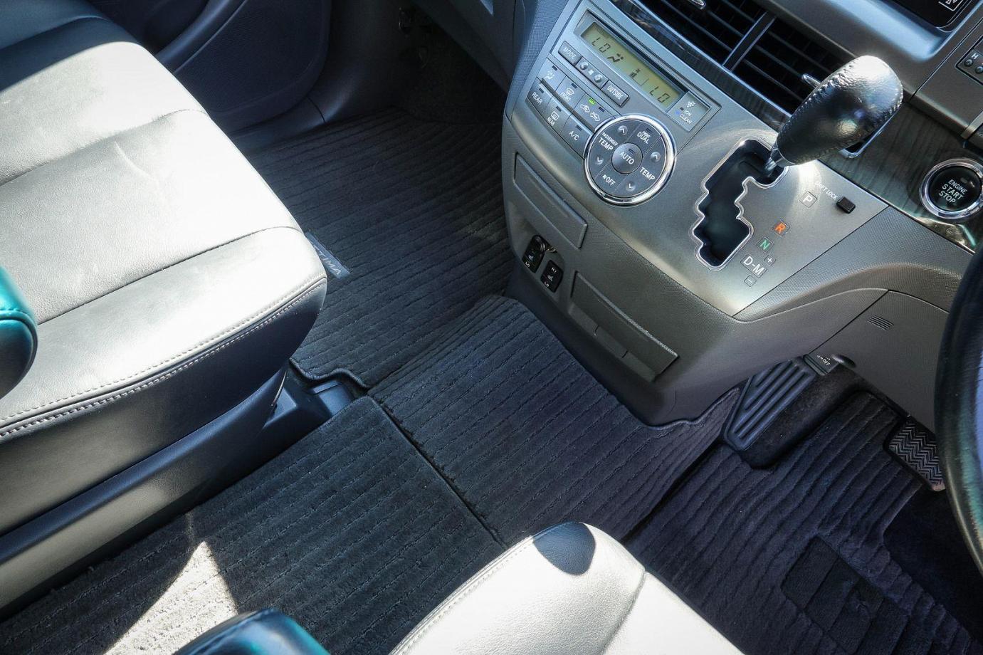 2010 Toyota Estima ACR50 Aeras Leather - Package Wagon 7st 5dr Auto 2.4i